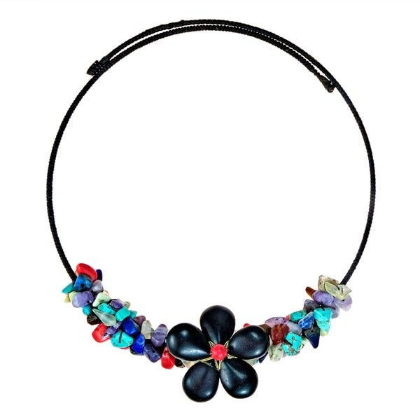 Handmade Reconstructed Turquoise/ Onyx Floral Choker Necklace (Thailand)