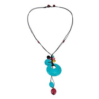 Handmade Reconstructed Turquoise/ Onyx Round Necklace (Thailand)