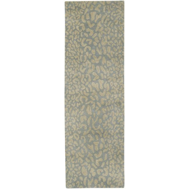 Hand-tufted Pale Blue Leopard Whimsy Animal Print Wool Rug (2'6 x 8')