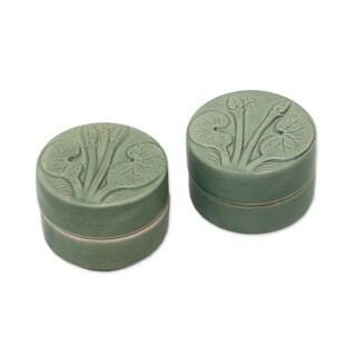 Handmade Ceramic 'Lotus and Dragonfly' Condiment Jars (Set of 2) (Indonesia)