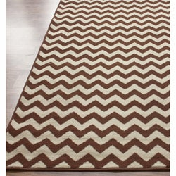 Thumbnail 3, Williamsburg Bedford Chevron Zebra Rug (7'6 x 9'6). Changes active main hero.