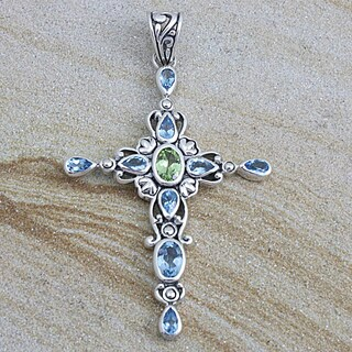 Handmade Sterling Silver Blue Topaz and Peridot Cross Pendant (Indonesia)