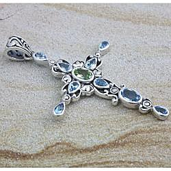 Handmade Sterling Silver Blue Topaz and Peridot Cross Pendant (Indonesia) - Thumbnail 1