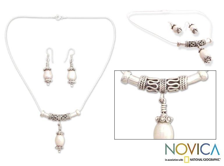 Handmade Sterling Silver 'Mermaid Tears' Pearl Jewelry Set (4 mm) (India)