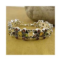 Handmade Sterling Silver 'Rainbow Sparkle' Amethyst Garnet Bracelet (India) - Purple