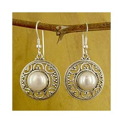 Peaceful Perfect Bridal Romantic Vintage Look Round White Freshwater Pearls 925 Sterling Silver Womens Dangle Earrings (India)