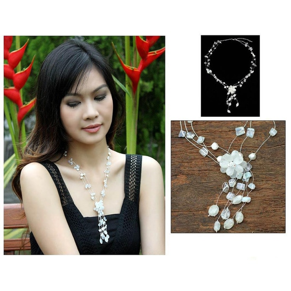 Handmade Silk 'Fantasy' Moonstone Pearl Necklace (6 mm) (Thailand)
