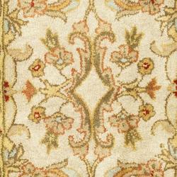 Safavieh Handmade Classic Grey/ Light Gold Wool Runner (2'3 x 8') - Thumbnail 2
