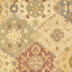 Safavieh Handmade Antiquities Bakhtieri Multi/ Beige Wool Rug (4' x 6') - Thumbnail 2