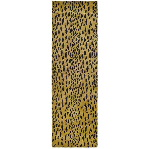 "Safavieh Handmade Soho Leopard Skin Beige N. Z. Wool Runner - 2'6"" x 10'"