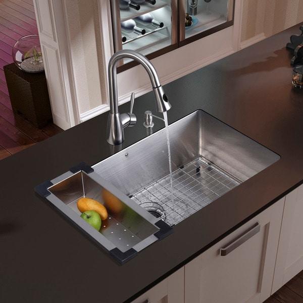 VIGO All In One 32 Inch Stainless Steel Undermount Kitchen Sink And  Aylesbury