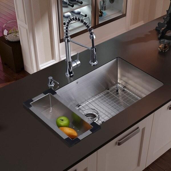 "VIGO All-In-One  30"" Mercer Stainless Steel Undermount Kitchen Sink Edison Faucet In Chrome"
