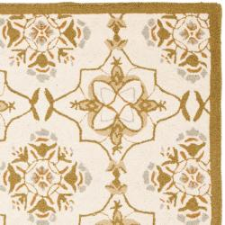 Safavieh Hand-hooked Chelsea Harmony Ivory Wool Rug (5'3 x 8'3) - Thumbnail 1