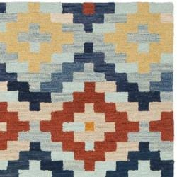 Safavieh Hand-hooked Chelsea Southwest Multicolor Wool Rug (3'9 x 5'9) - Thumbnail 1
