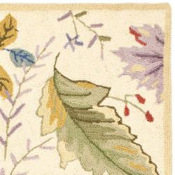 Safavieh Hand-hooked Chelsea Gardens Ivory/ Multi Wool Rug (2'9 x 4'9) - Thumbnail 1