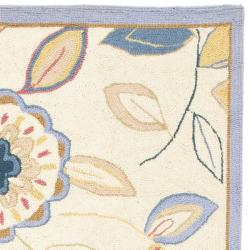 Safavieh Hand-hooked Floral Garden Ivory/ Blue Wool Rug (2'6 x 12') - Thumbnail 1