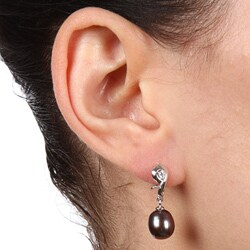 Kabella Silver Black FW Pearl and Cubic Zirconia Figure-8 Earrings (8-9 mm)