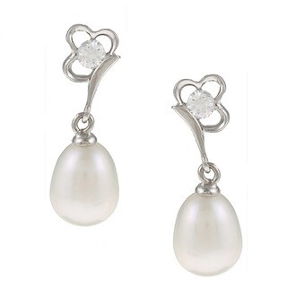 Kabella Silver White Freshwater Pearl and Cubic Zirconia Daisy Earrings (8-9 mm)