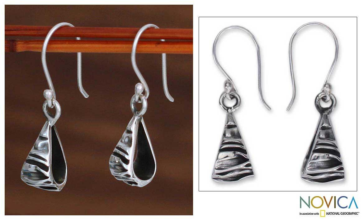 Handmade Sterling Silver 'Textures' Dangle Earrings (Mexico)
