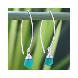 Sterling Silver 'Sublime' Chalcedony Drop Earrings (Thailand)