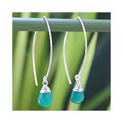 Handmade Sterling Silver 'Sublime' Chalcedony Drop Earrings (Thailand)