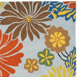 Safavieh Handmade Soho Blue New Zealand Floral Wool Rug (7'6 x 9'6) - Thumbnail 1