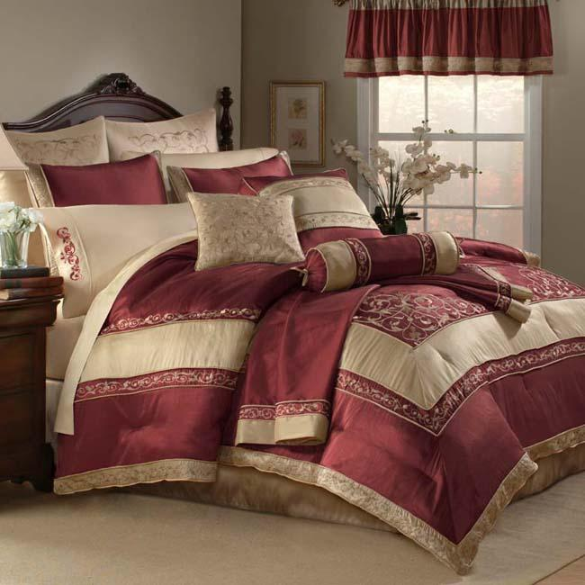 Florentina Garnet Queen-size 22-piece Bed in a Bag with Two Sheet Sets