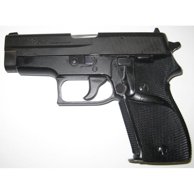 Pachmayr Signature Grip for Sig 225 Pistol