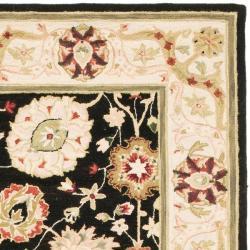 Safavieh Micro Hand-hooked Chelsea Mahal Black/ Beige Wool Rug (6' x 9') - Thumbnail 1