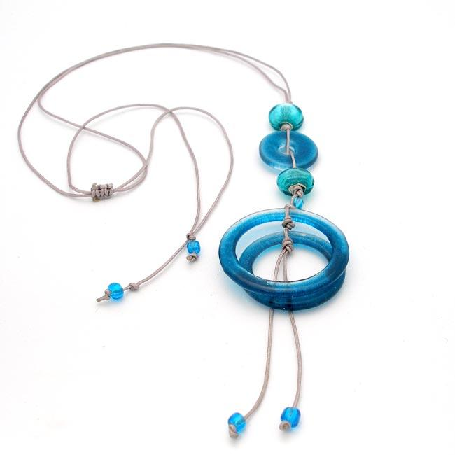 Cotton and Aqua Fused Glass Rings and Beads Necklace (Chile)