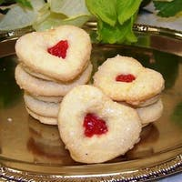 Oma Gisi's Jelly Heart Sandwich Cookies (Box of 24)