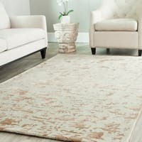 Safavieh Handmade Soho Ivory New Zealand Wool Rug - 7'6 x 9'6