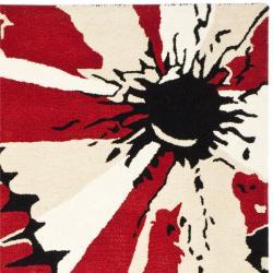 Safavieh Handmade Soho Red New Zealand Wool Rug (5' x 8') - Thumbnail 1