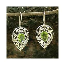 Handmade Sterling Silver 'Lime Lace' Peridot Dangle Earrings (India)