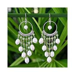 Handmade Sterling Silver 'Peridot Ruffles' Pearl Earrings (5-6 mm) (Thailand)