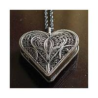 Handmade Vintage Look Romantic Oxidized Filigree Heart 925 Sterling Silver with Rope Chain Womens Pendant Locket Necklace (Peru)
