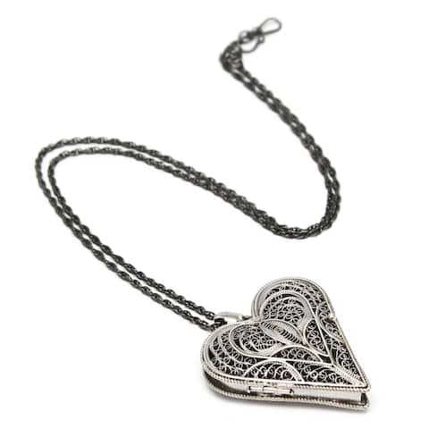 "Handmade Vintage Look Sterling Silver Pendant Locket Necklace (Peru) - 7'6"" x 9'6"""