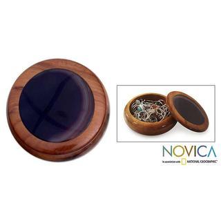 Handmade Lilac Agate and Cedar 'Amazon Lily' Jewelry Box (Brazil)