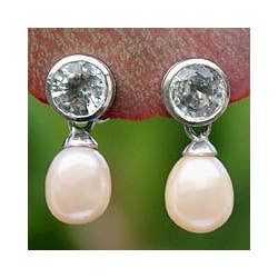 Handmade Sterling Silver 'Halo' Pearl and Topaz Earrings (8-8.5 mm) (Thailand)