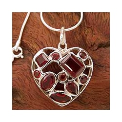 Handmade Sterling Silver 'My Love' Garnet Necklace (India)
