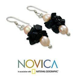 Sterling Silver 'Midnight Kiss' Pearl Onyx Earrings (5-5.5 mm) (India) - Thumbnail 1