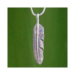 Handcrafted Sterling Silver Flight Foxtail Pendant Necklace (Thailand)
