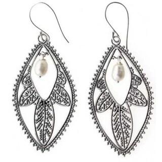 Handmade Sterling Silver 'White Dogwood' Pearl Earrings (15 mm) (Indonesia)