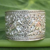 Handmade Sterling Silver 'Elephant Greeting' Cuff Bracelet (Thailand)