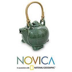 Handmade 7.5-inch Ceramic 'Mother Sea Turtle' Teapot (Indonesia)