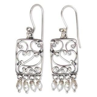 Handmade Sterling Silver 'Love Letter' Pearl Heart Earrings (5mm) (Indonesia)