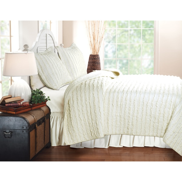 Greenland Home Fashions Ruffled Ivory 3-piece Quilt Set