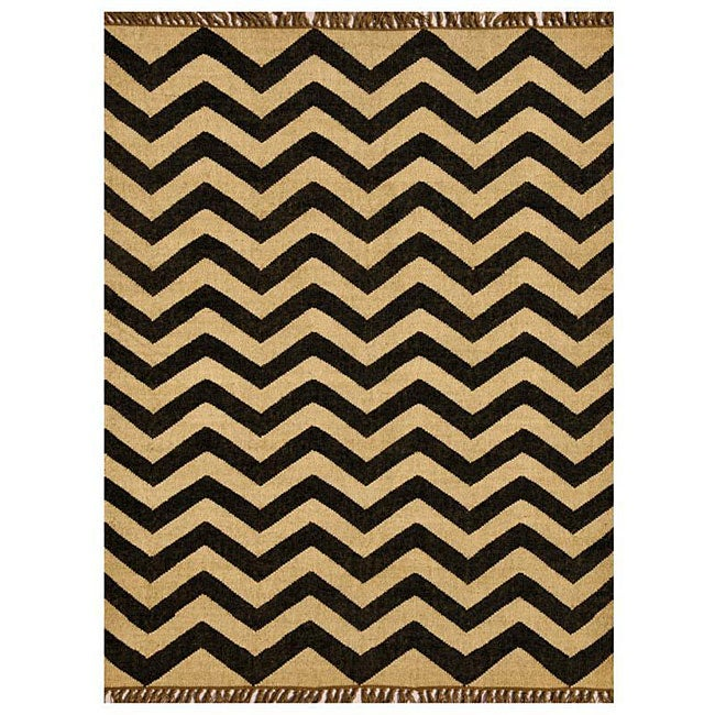 Chevron Hand-woven Kilim Wool Geometric Rug (4' x 6')