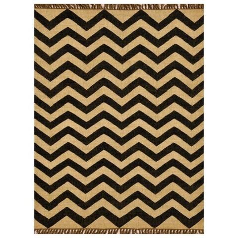 Chevron Hand-woven Kilim Wool Geometric Rug (8' x 11') - 8' x 11'