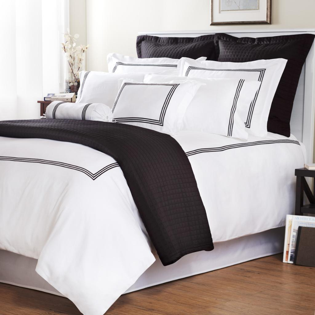 Black Stripe Barrato Stitch Full Queen Size 3 Piece Duvet